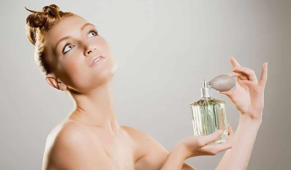 5 truques para o perfume durar mais na pele