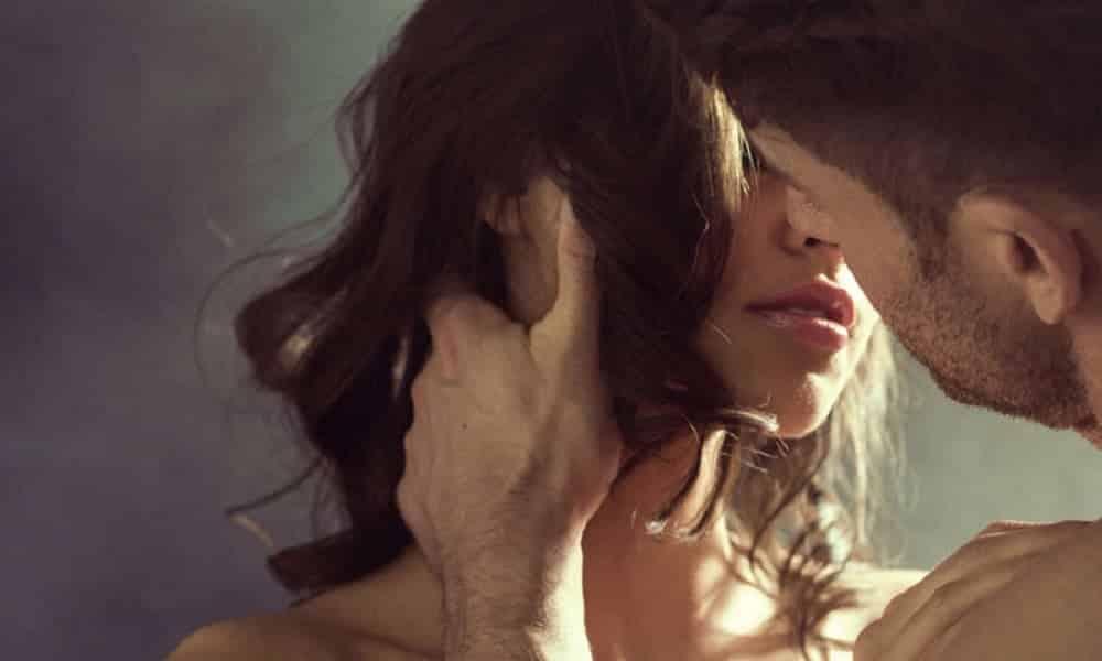 Como beijar bem, segundo estudos sobre o beijo francês