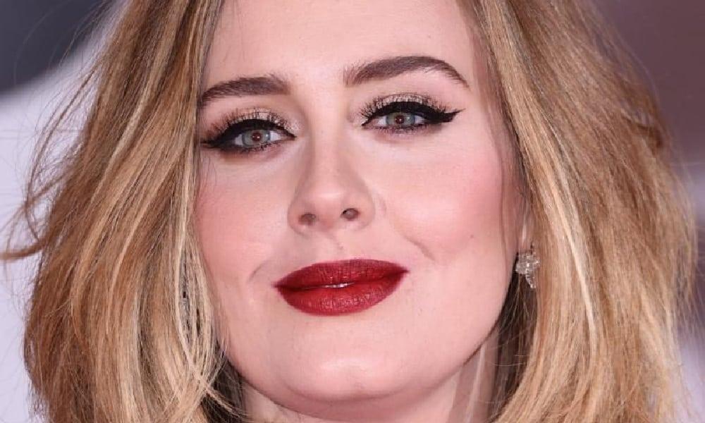 Maquiador revela truque do delineado de Adele