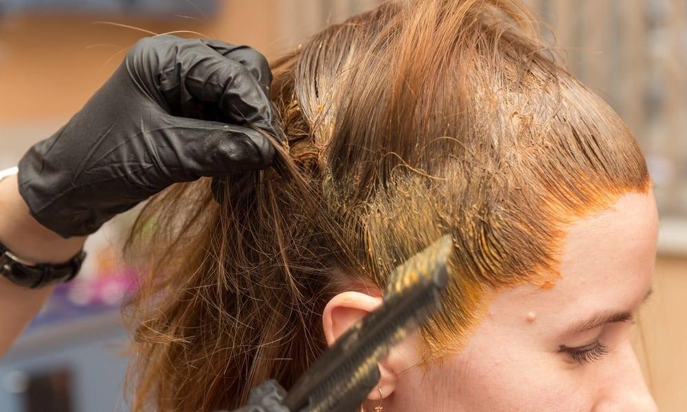 5 coisas que você precisa fazer antes de pintar os cabelos