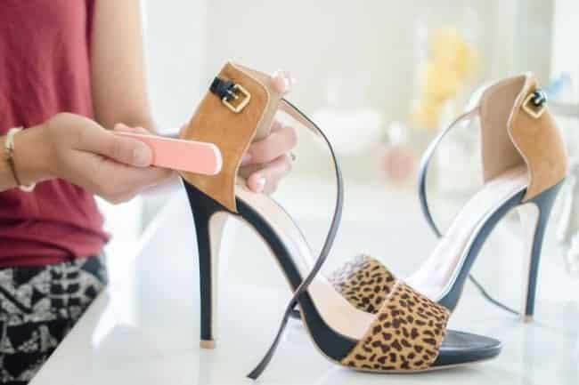 908676a5f22 Aprenda 14 truques para deixar roupas e sapatos velhos com cara de novos