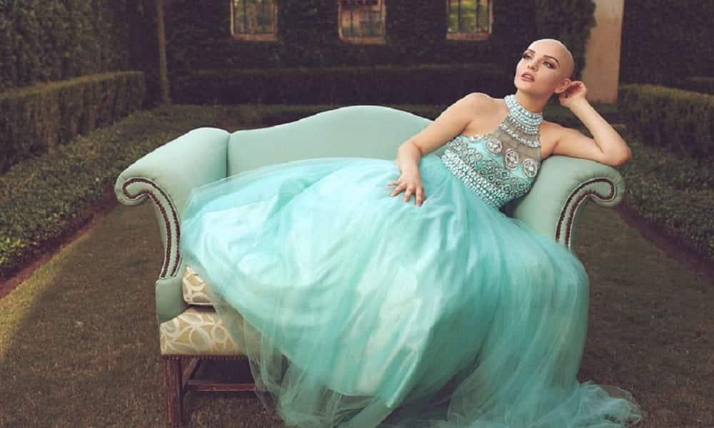 Após perder os cabelos, adolescente com câncer faz ensaio inspirador