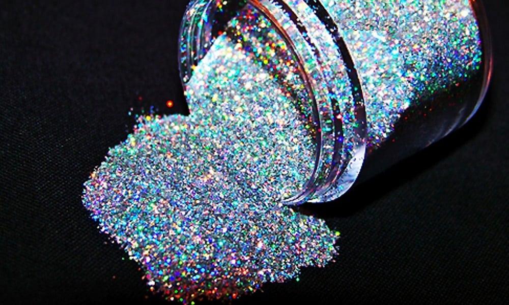 Aprenda a fazer glitter caseiro para o Carnaval