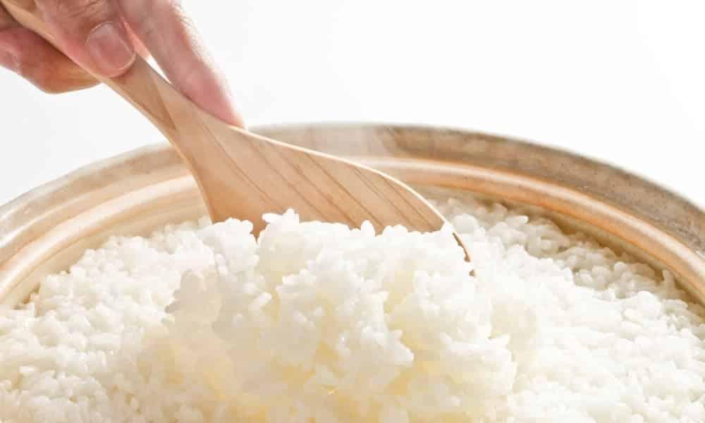 Como reduzir até 60% as calorias do arroz, segundo a Ciência