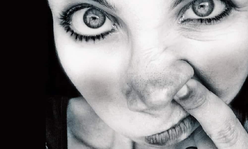 22 coisas nojentas que as mulheres fazem quando ninguém está olhando