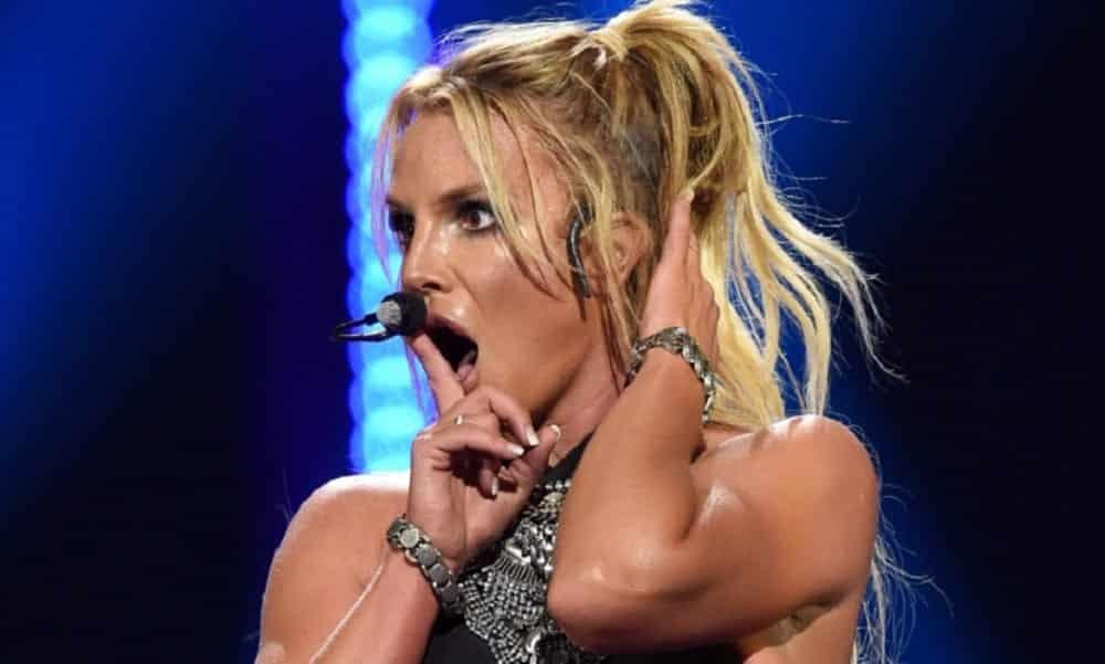 Vaza versão de Britney Spears cantando