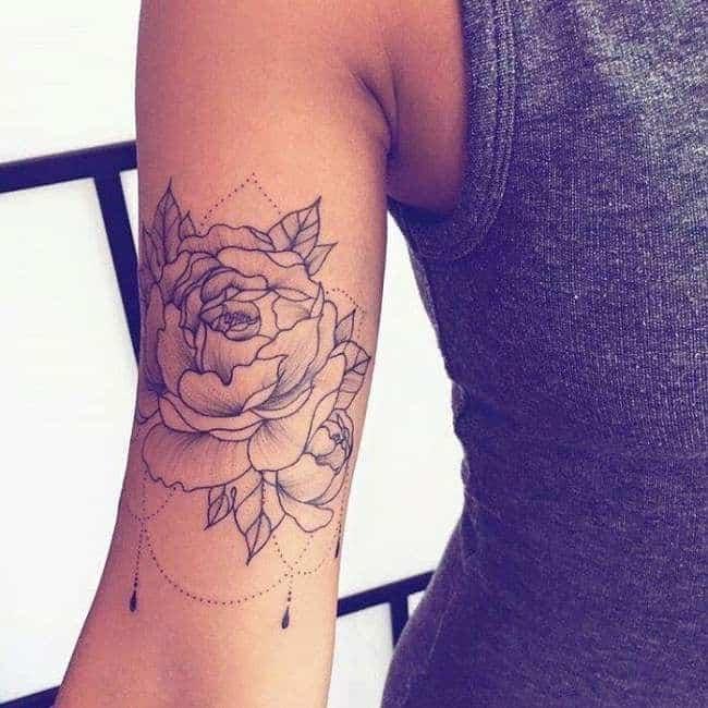 Tatuagens Femininas No Braço Fecha Com Nome Frases