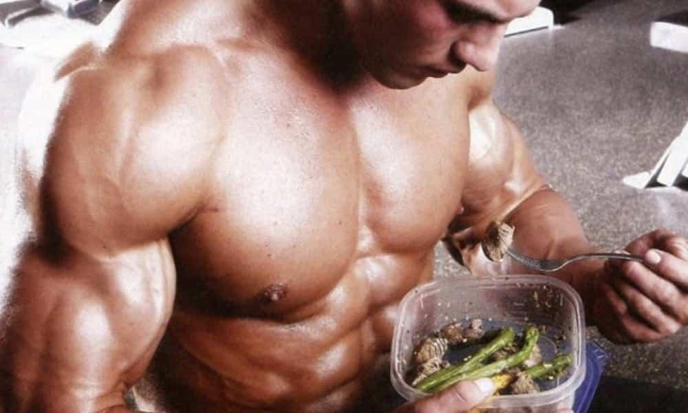 Dieta low carb: entenda o que ela faz com seu corpo