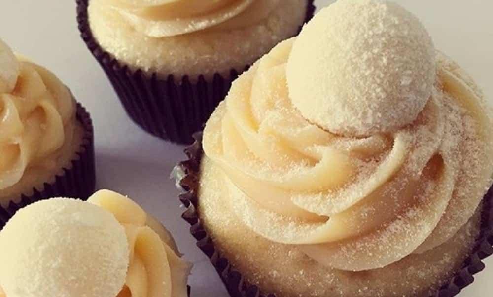Aprenda a fazer cupcake de leite ninho light feito no liquidificador