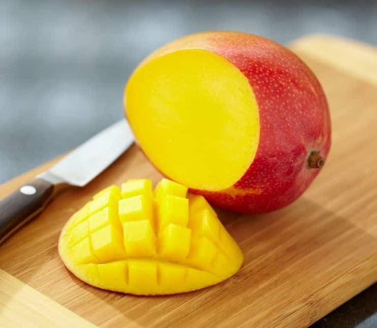 8 frutas que engordam e podem ser as vilãs da dieta (se você exagerar)