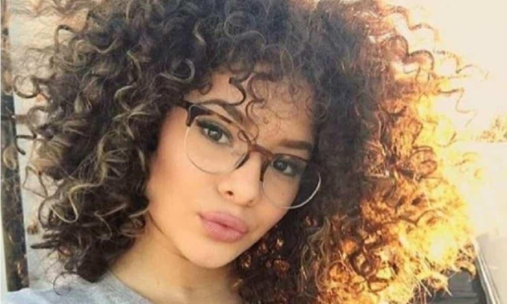 13 lindas inspirações de cortes para cabelos cacheados