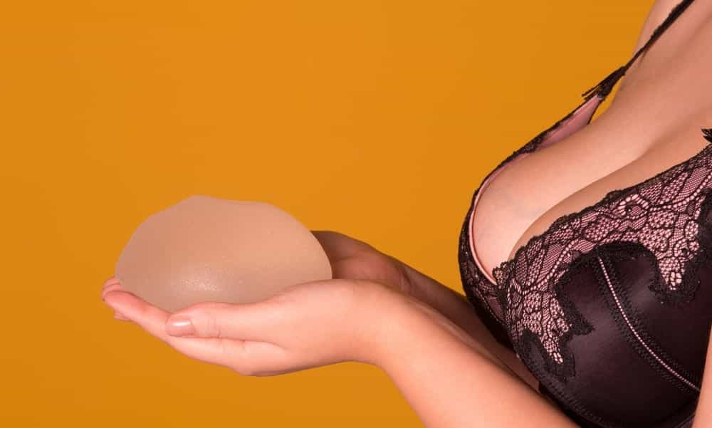 Prótese de silicone dificulta identificar o câncer de mama?