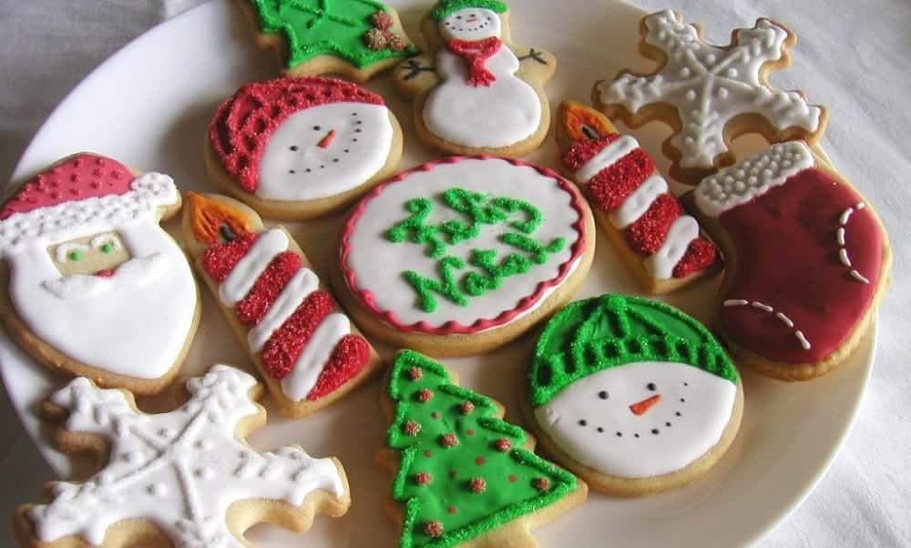 Como fazer biscoitos decorados de Natal em casa