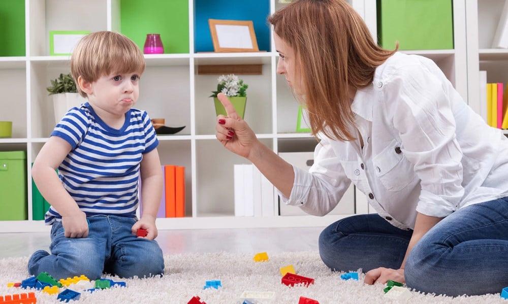 6 coisas que você nunca deve dizer ao seu filho pequeno