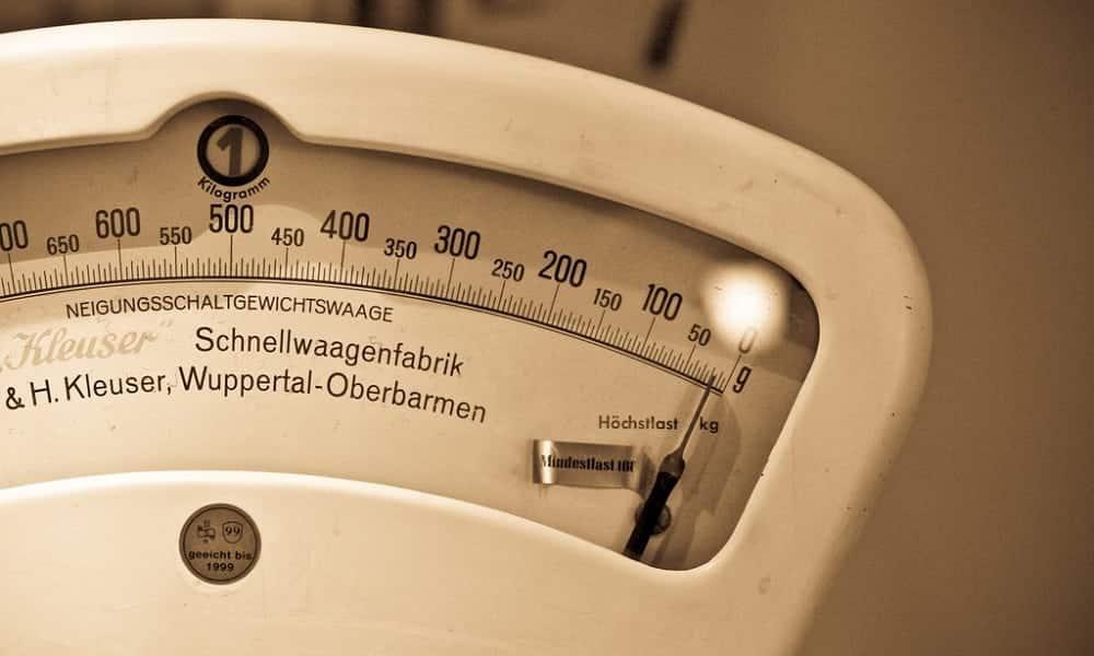 Quantas calorias dá para perder com yoga, corrida e outros exercícios?