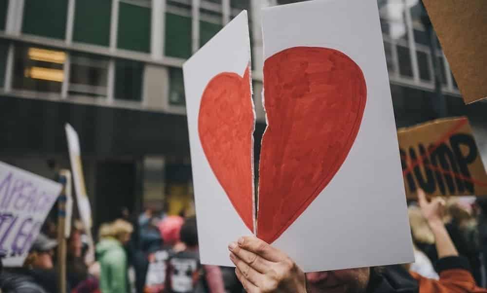 Frases que indicam que ele não te ama mais (e você ainda não percebeu)