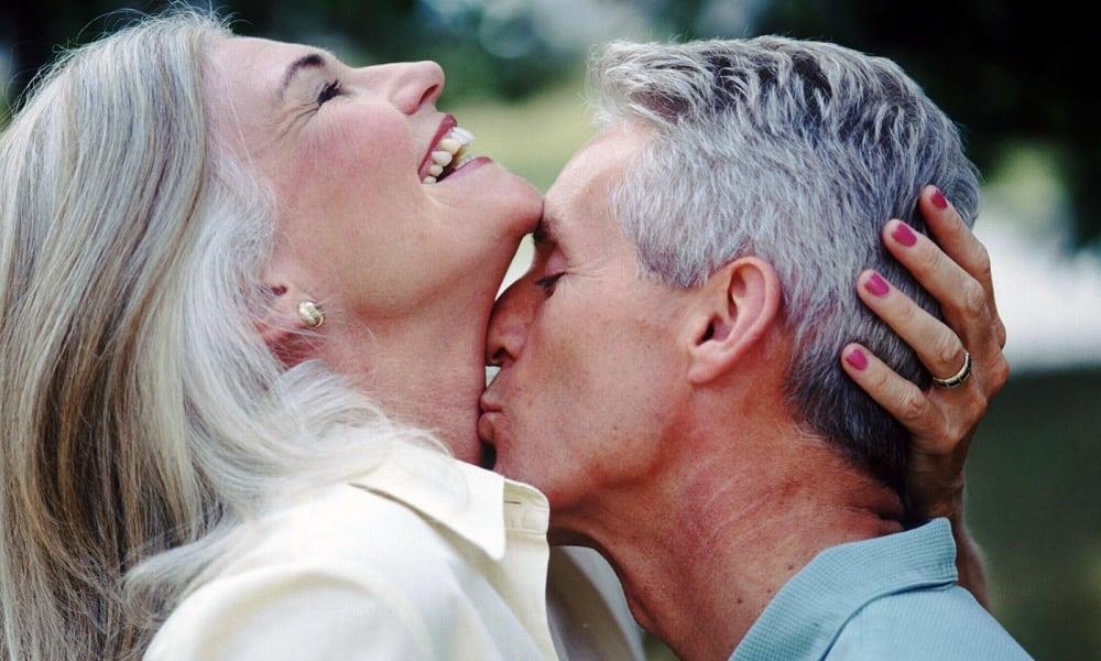 8 formas naturais de tratar os sintomas da menopausa