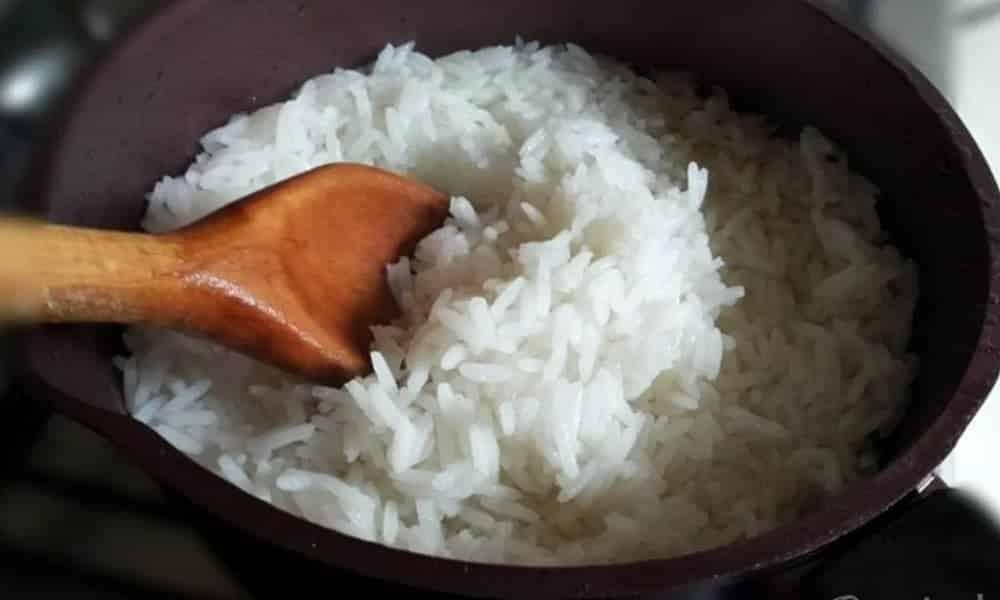 Como fazer arroz no micro-ondas em poucos minutos