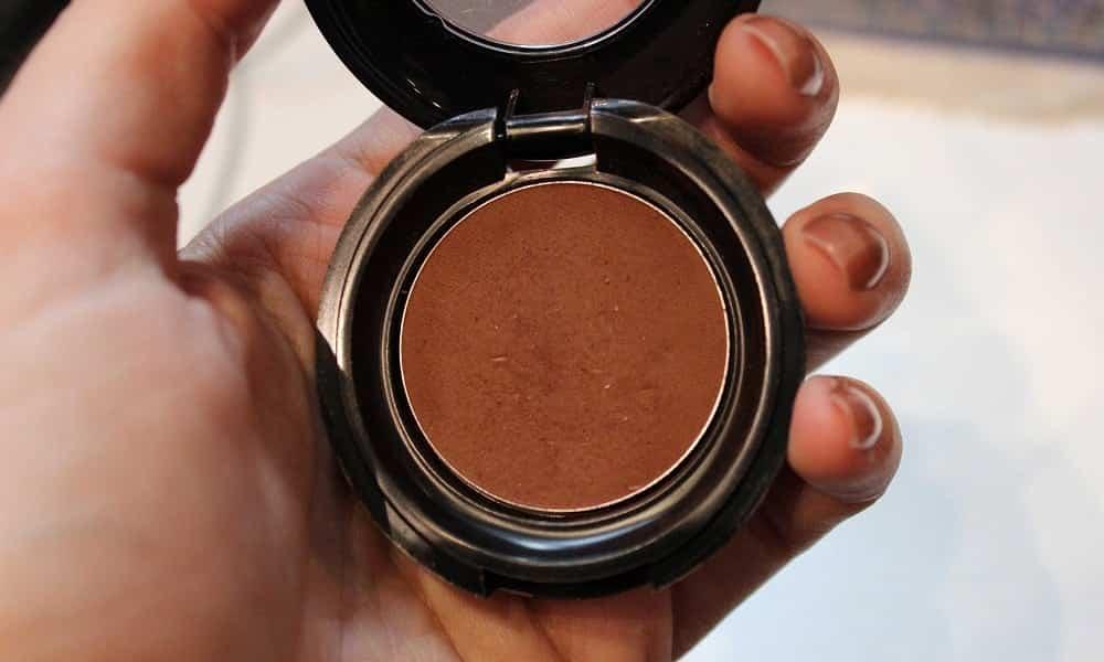 5 formas incríveis de usar sombra marrom no dia a dia