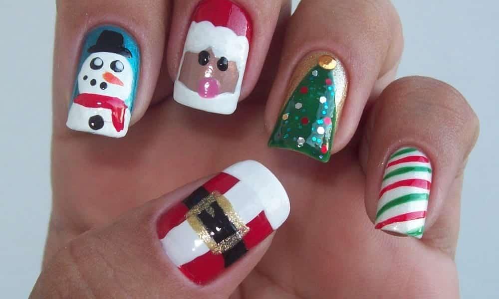 35 inspirações de unhas para o Natal que farão você arrasar!