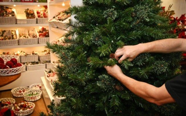 Como montar árvore de Natal em 10 passos simples