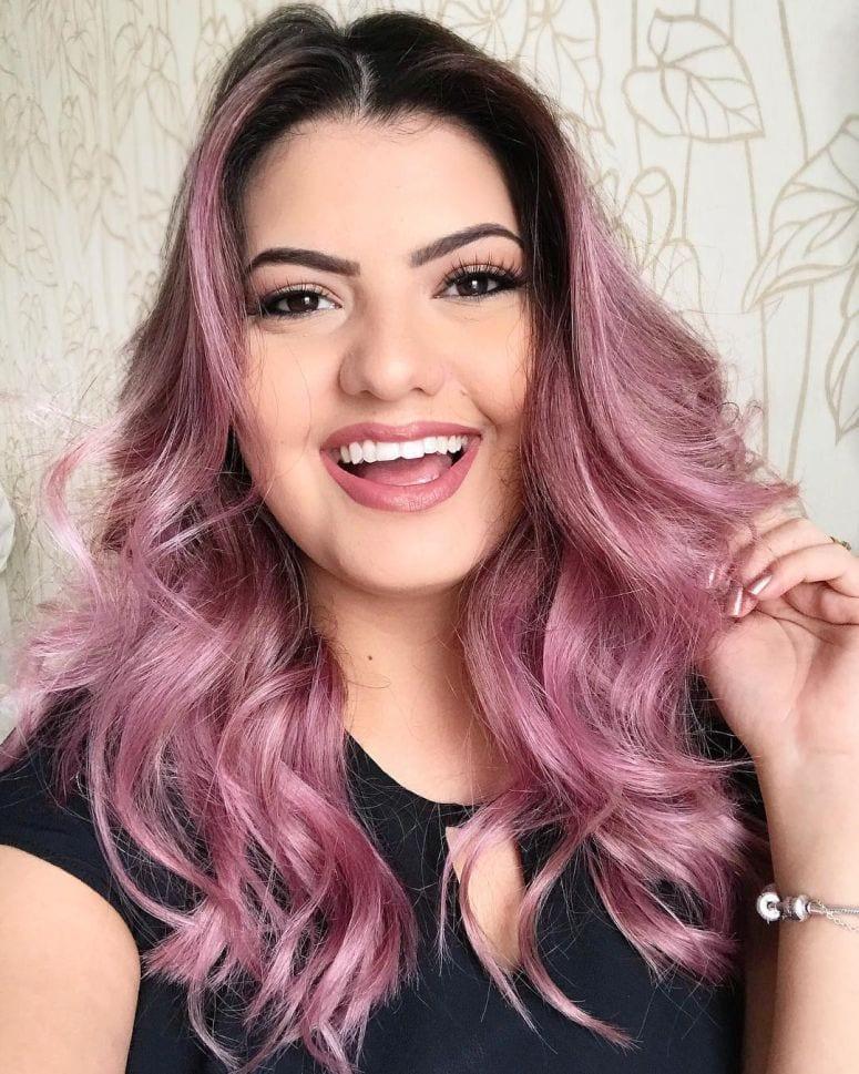 25 imagens de cabelo rosa para te encorajar a pintar!