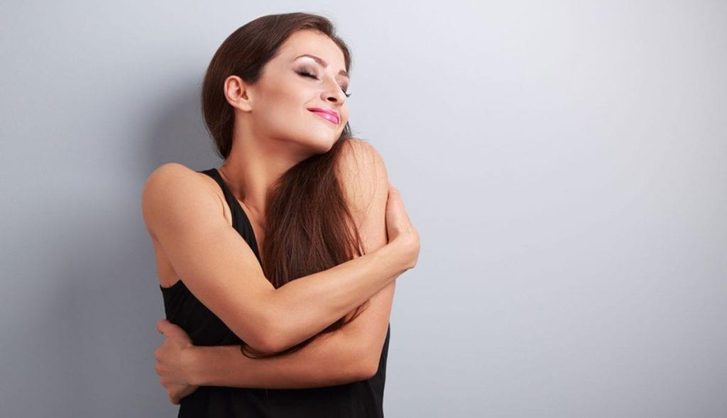 8 maneiras de se libertar dos padrões de beleza e sentir-se bem