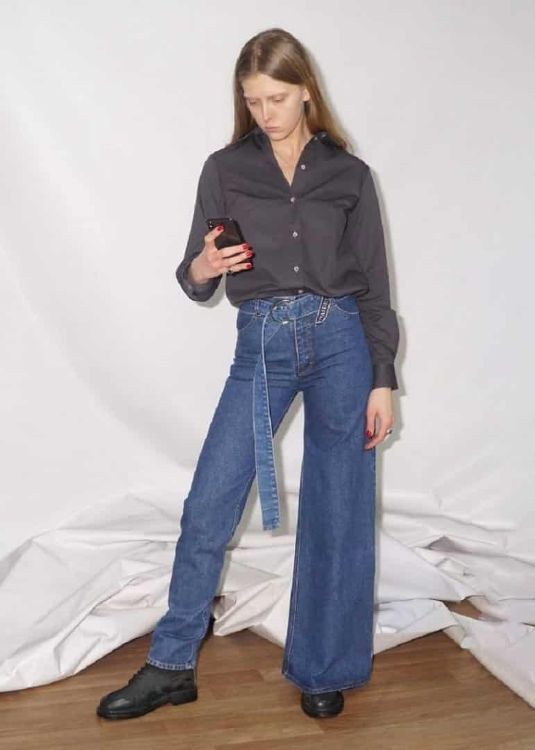 Jeans assimétrico causa estranheza e chega a custar 375 dólares