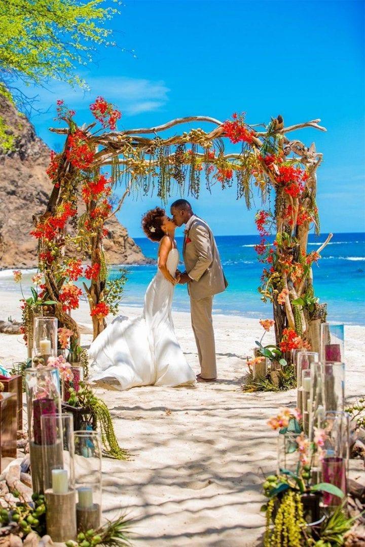 Quanto custa um casamento na praia? [e fotos para te inspirar]