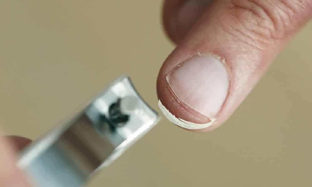 Cuidados com as unhas que você precisa incluir em sua rotina