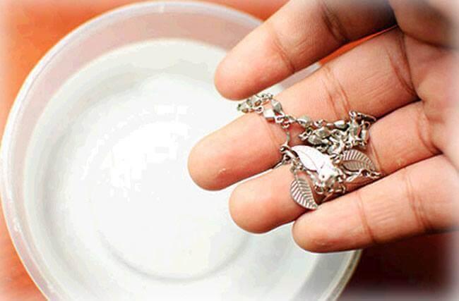 7 formas diferentes de limpar prata? [todos os tipos]