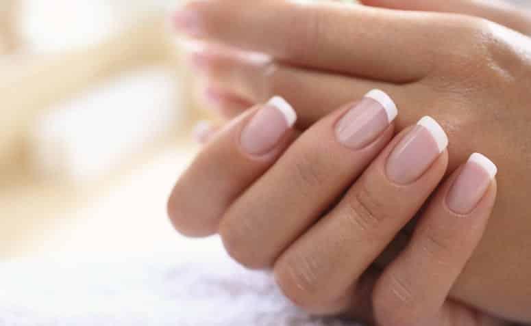 Aprenda 5 maneiras de fortalecer as unhas