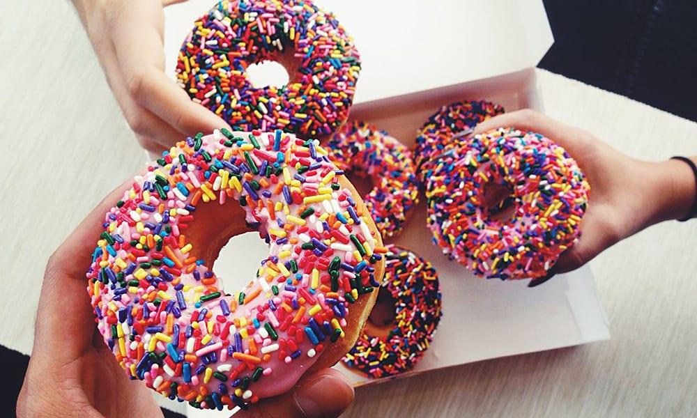 Como fazer donuts americanos, doces e saborosos [receita]