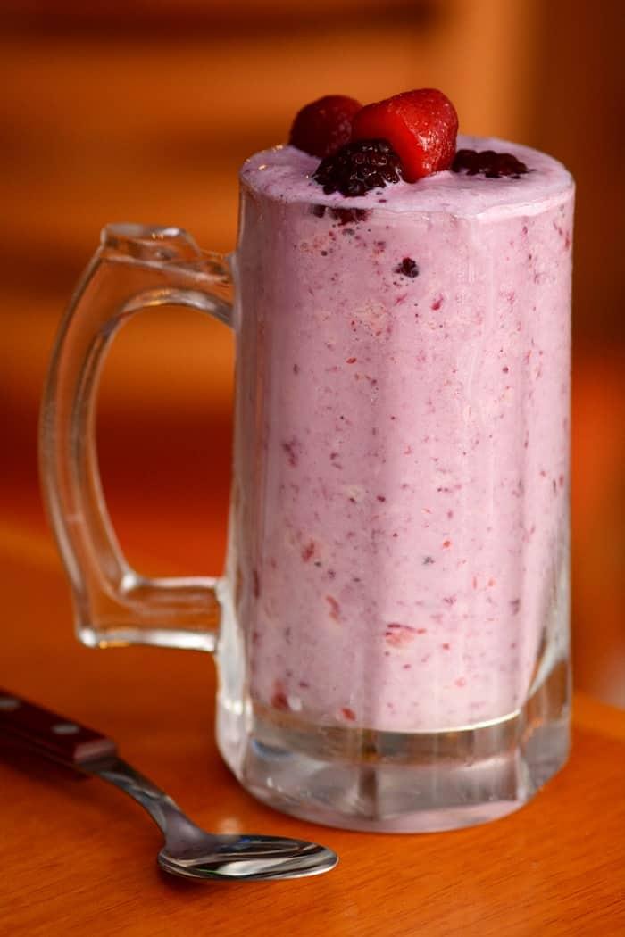 Como fazer milk shake funcional para se refrescar sem peso na consciência