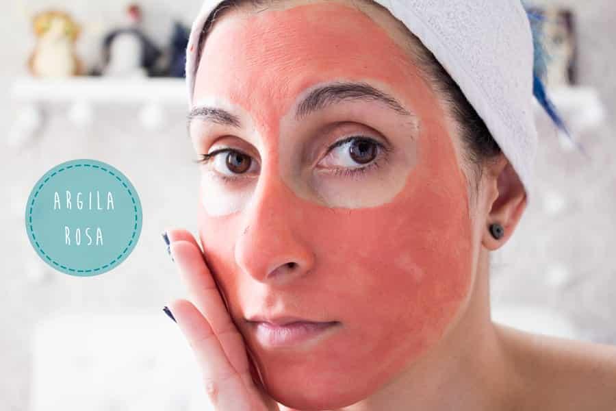 Diferentes tipos de benefícios da argila para o rosto e cabelo