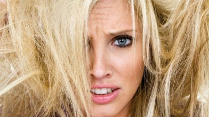 O que é cabelo elástico, ou emborrachado, e como tratar