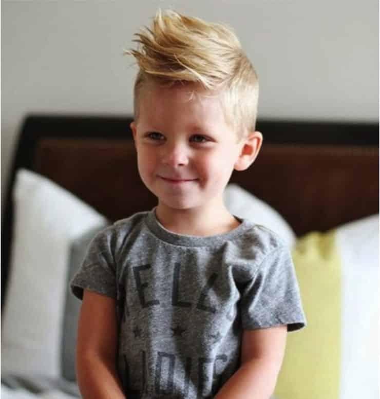 Por que algumas pessoas tem cabelo claro na infância?