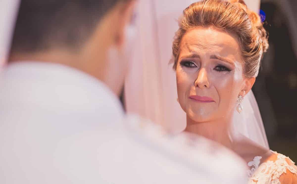 Como não chorar e manter o controle do nervosismo no casamento