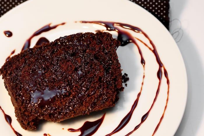 6 receitas de cobertura de chocolate para babar de vontade