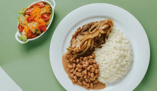 Aprenda como fazer bife, a combinação perfeita do arroz e feijão