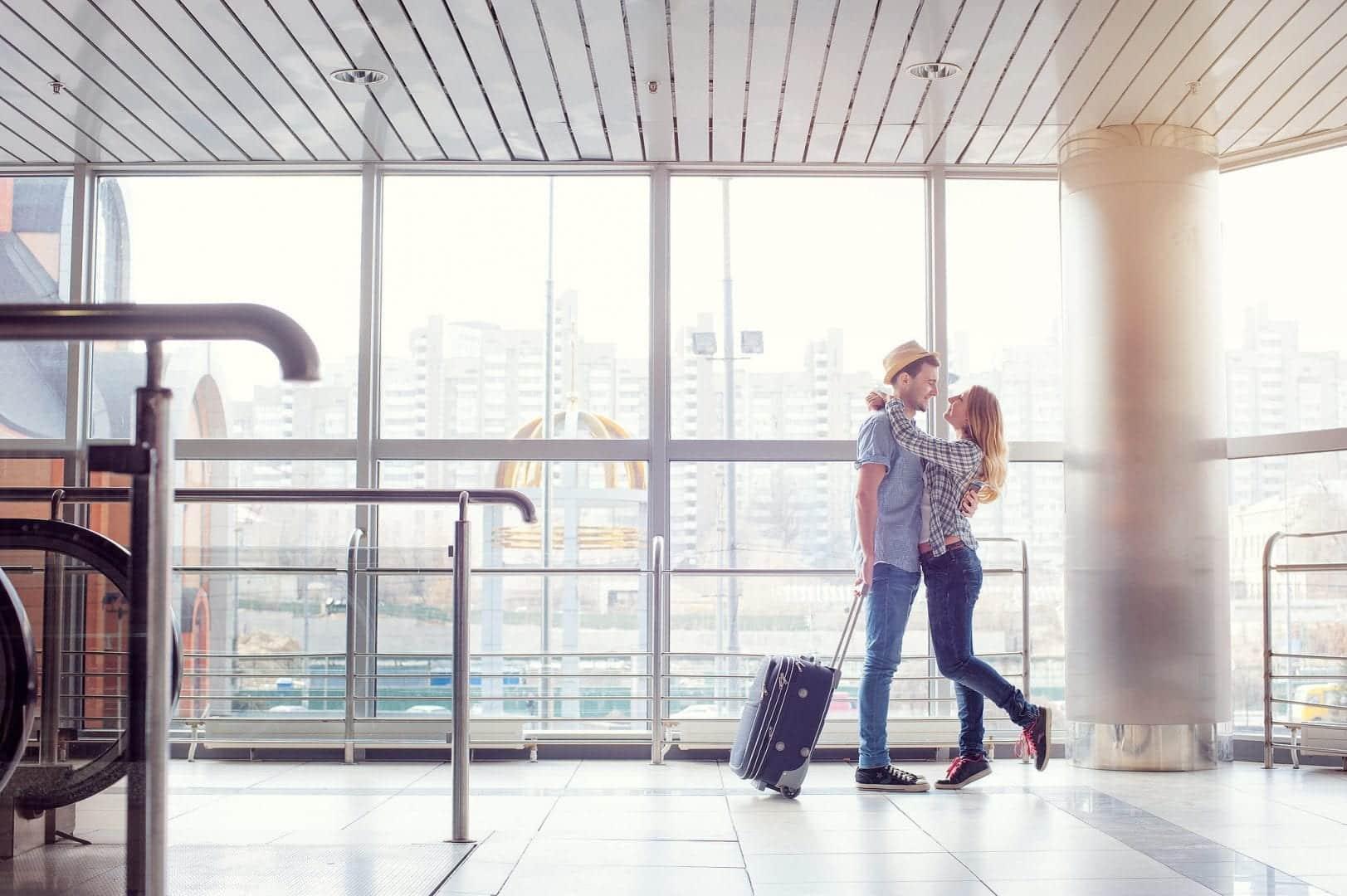 Como funciona um namoro à distância? Isso dá certo? Confira agora