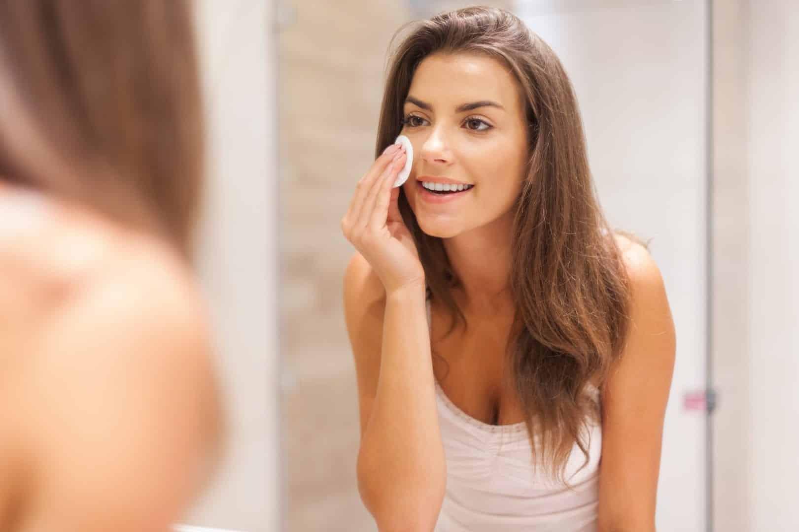 Cuidados com a pele: aprenda a ter uma pele saudável e bonita