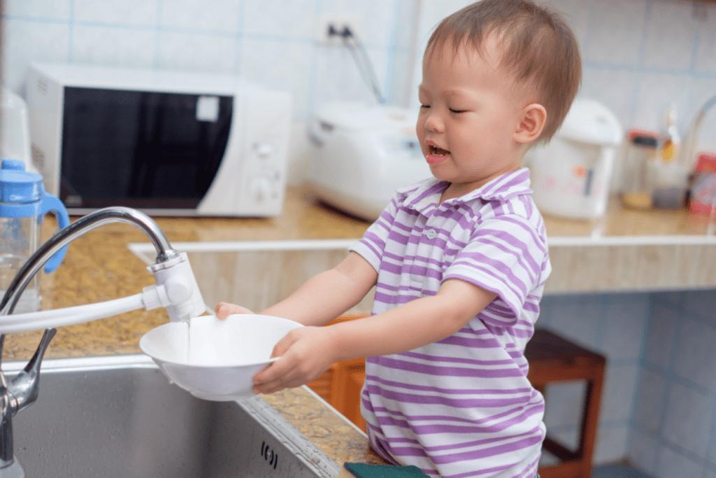 Cuidar da casa, as tarefas nas quais seus filhos podem ajudar