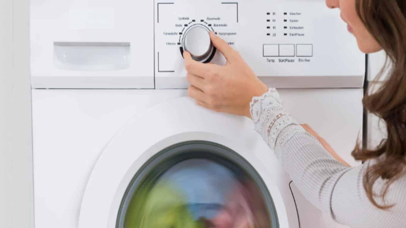 Facilite sua vida na hora de passar roupas e evite os amassados