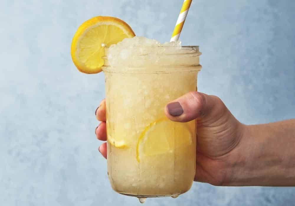 Suco de limão, benefícios, emagrecimento e receitas turbinadas