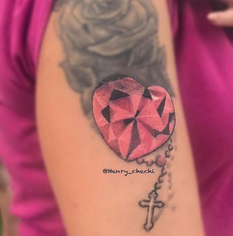 Venha conferir 80 ideias de tatuagem de diamante para você se inspirar
