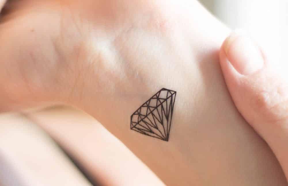 Tatuagem de diamante, 80 ideias para você se inspirar no tema