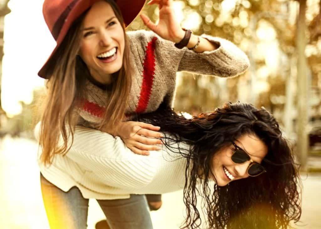 7 coisas que só melhores amigas irão entender. Confira agora