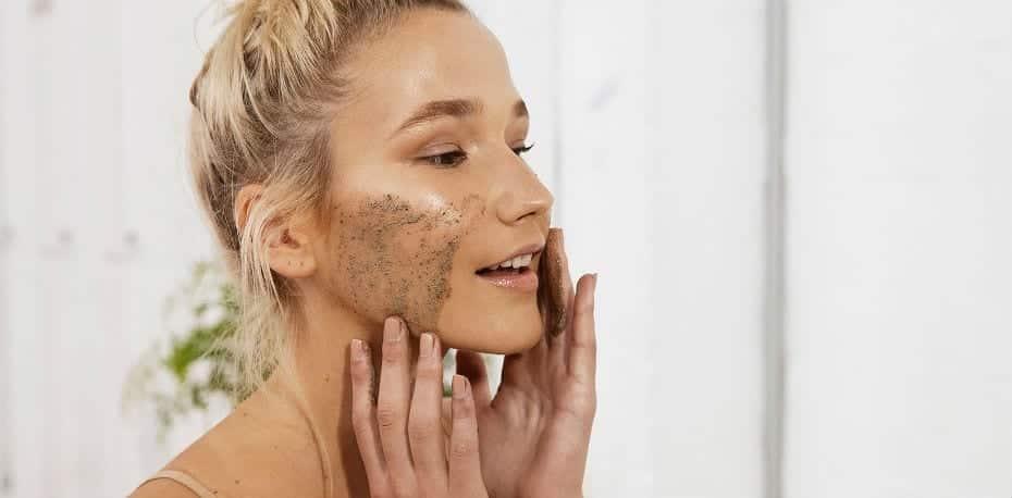 Esfoliação caseira, receitas para renovar a pele e reduzir oleosidade