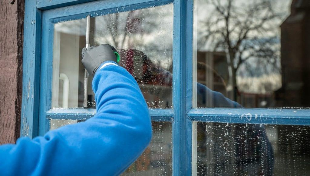 Limpar vidros – como conseguir a limpeza perfeita, sem manchas